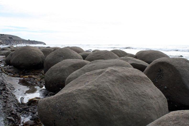bowling-ball-beach-4